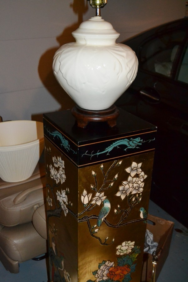 Gorgeous Asian pedestal with lamp (there's pair of them)
