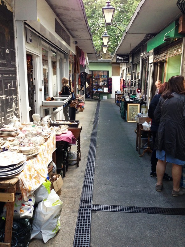 alleyways upon alleyways of antiques