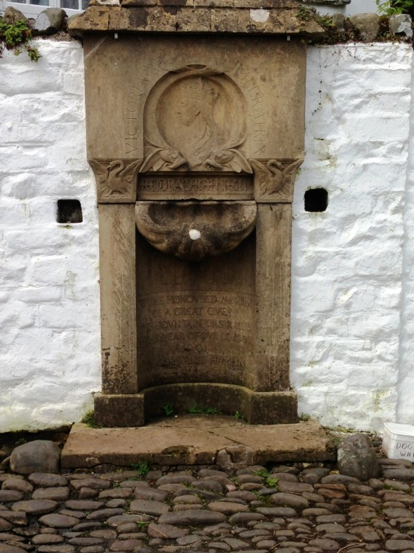 this fountain commemorates Queen Victoria's jubilee