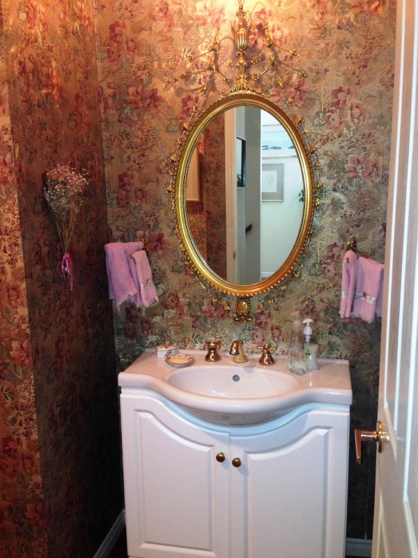 french mirror on foil wallpaper
