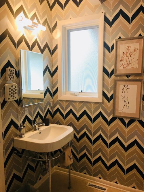 modern bathroom graphic wallpaper