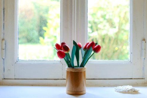 spring decorating ideas tulips