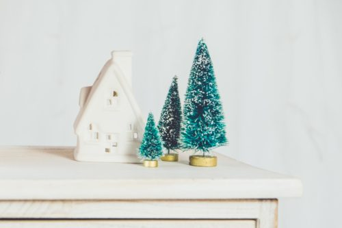 holiday tips and tricks for easy decorating ideas