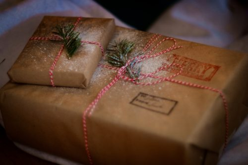 holiday tips and tricks for wrapping packages