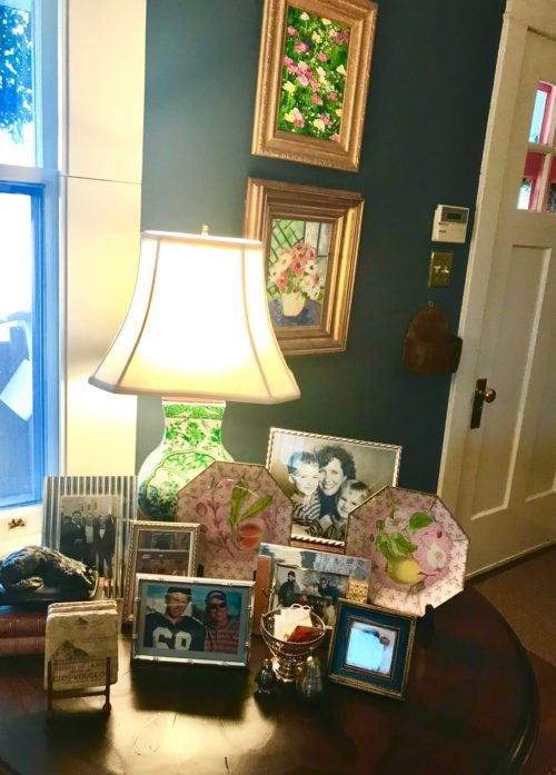 living room side table family photos