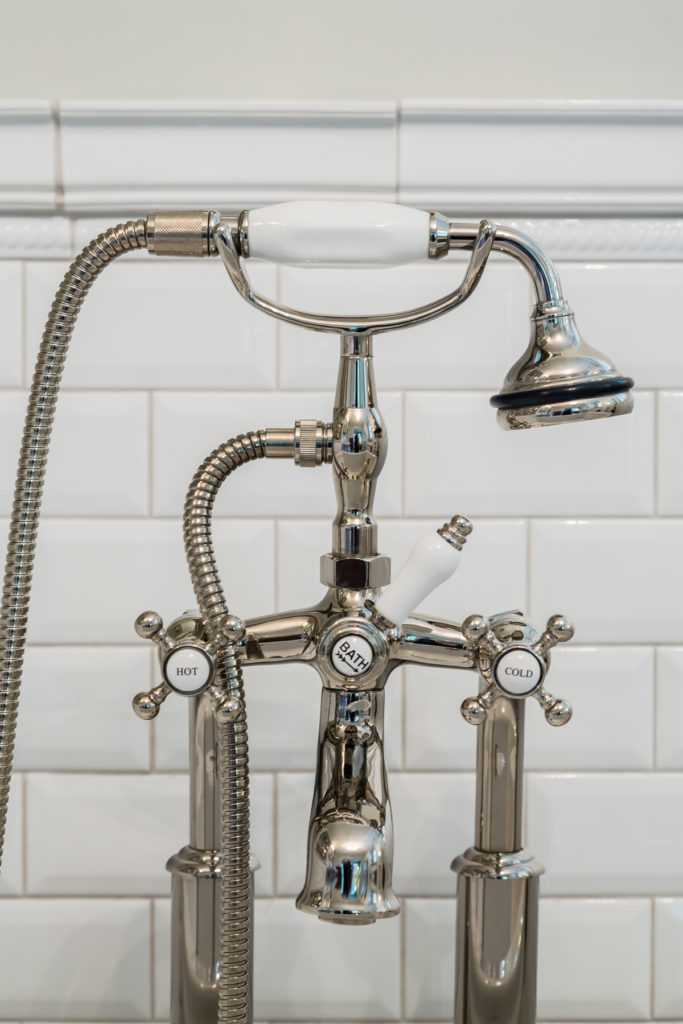 outside mount bath tub faucet