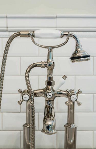 Bathroom Design Bathtub Faucet
