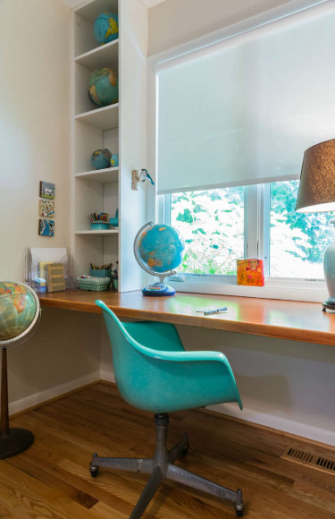 Boys Built In Desk Teal Globes