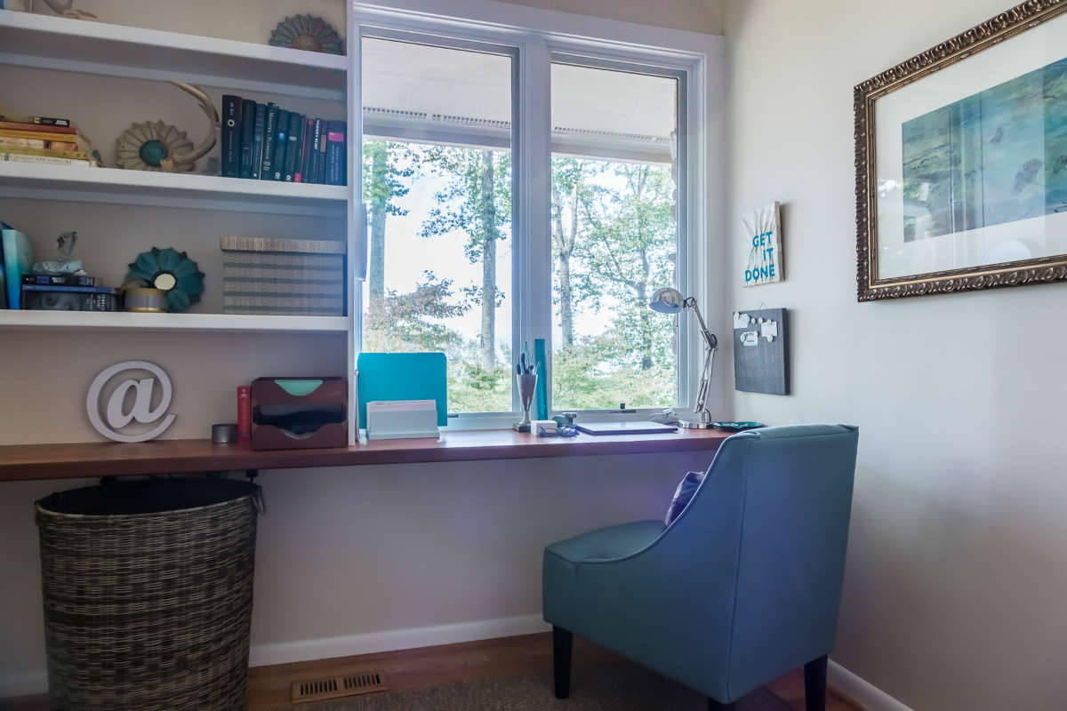 Home Office Design In Closet