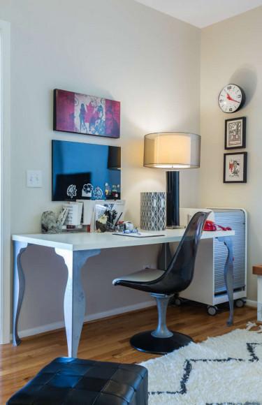 Media Room Desk Black Tulip Chair