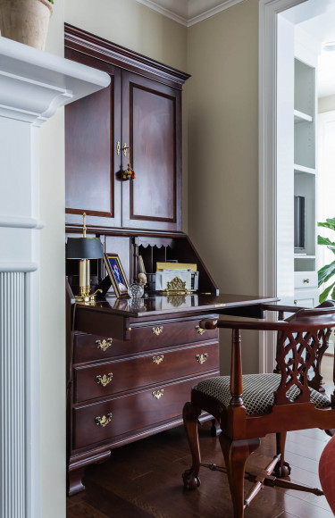 Secretary Desk Corner Chair