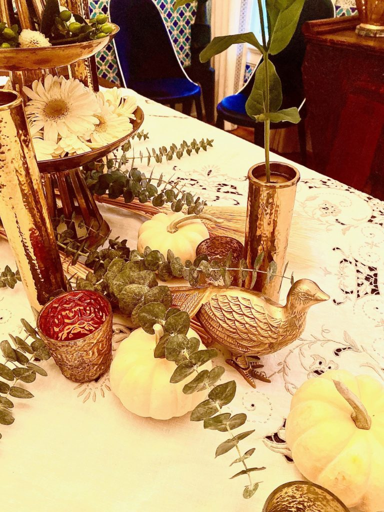 White Natural Greenery Thanksgiving Fall Table Decoration