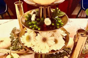 White Natural Thanksgiving Table Decor