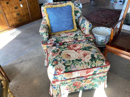 Sr Floral Chair And Ottoman