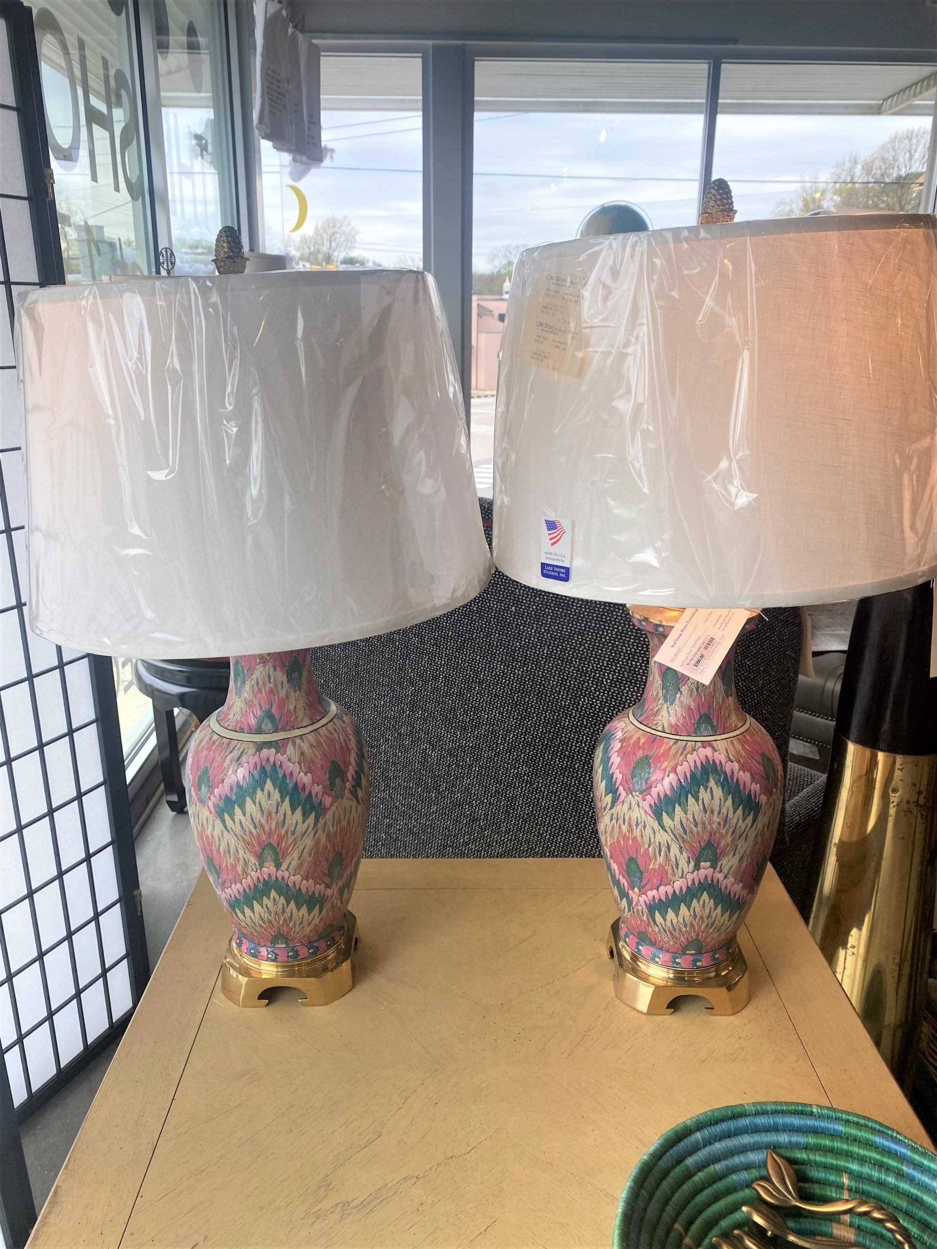 Sc Chinoiserie Peacock Feather Motif Lamps