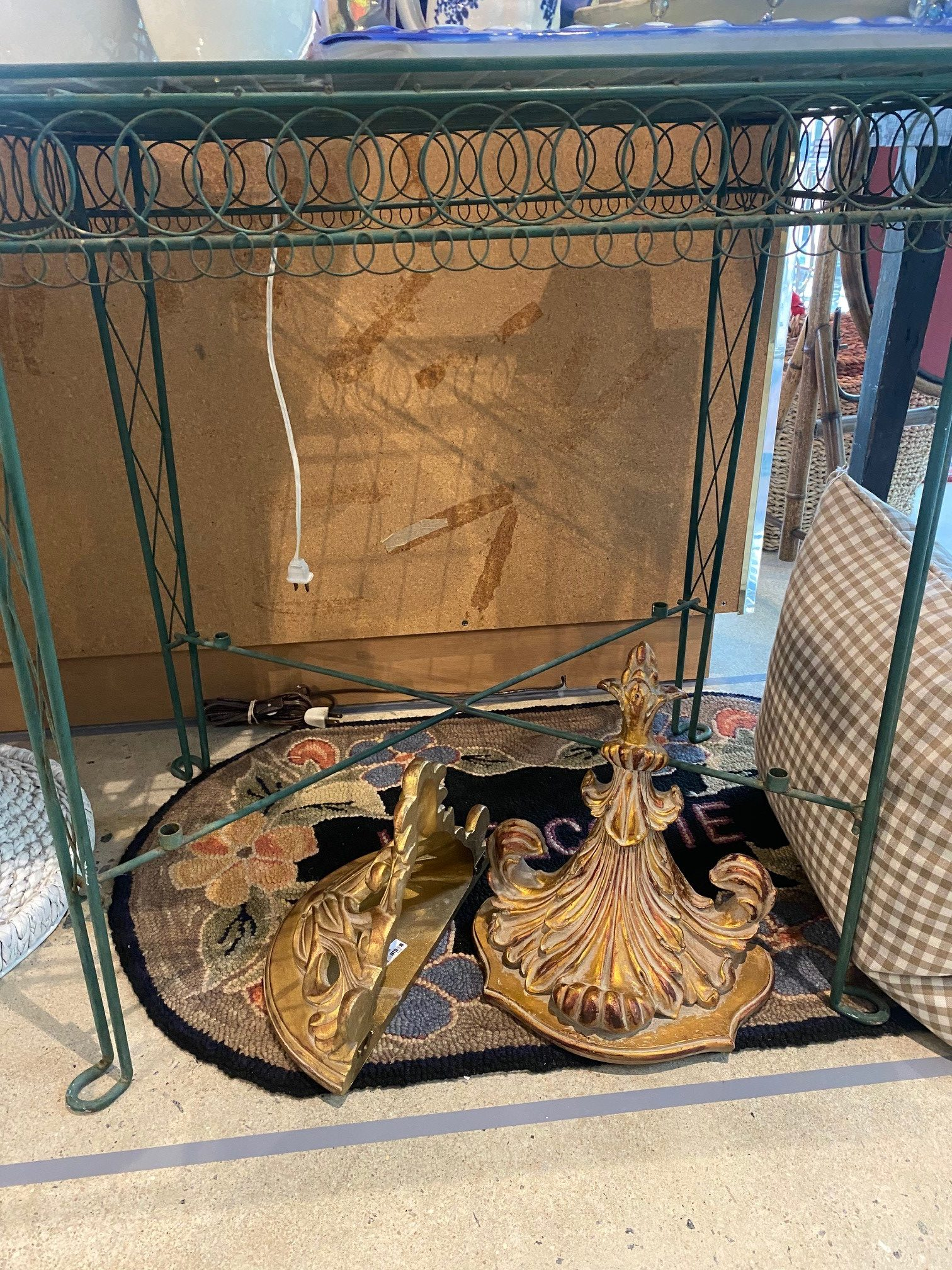 Sg Green Metal Wire Garden Table With Glass Top