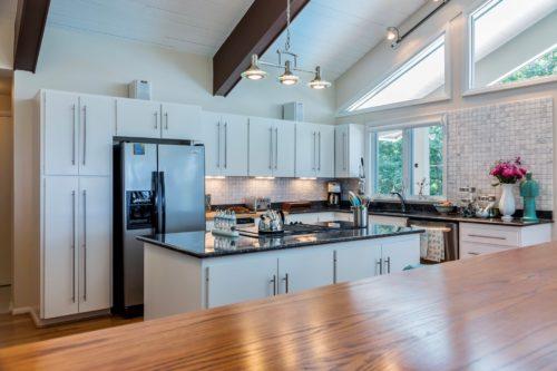 Modern Kitchen Beam Ceiling