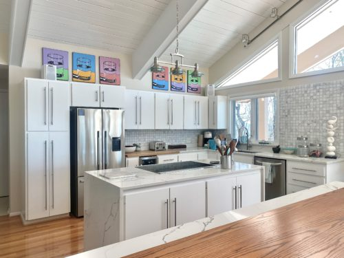 Modern Kitchen White Beam Ceiling