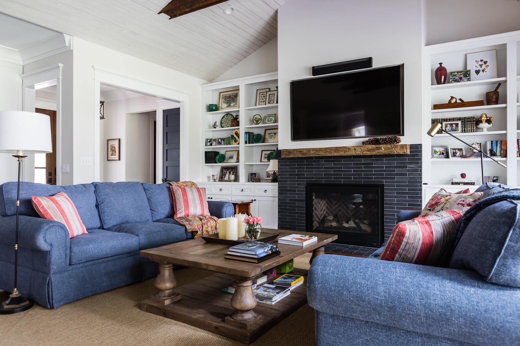Modern Farmhouse Living Room Navy Facing Sofas